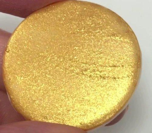 غبار معدني ذهبي لامع صالح للأكل